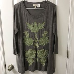LOGO Lori Goldstein Embroidered Leaf Tunic Top
